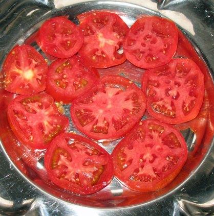 Θελκτικ�ς, ζουμερ�ς ντομάτες