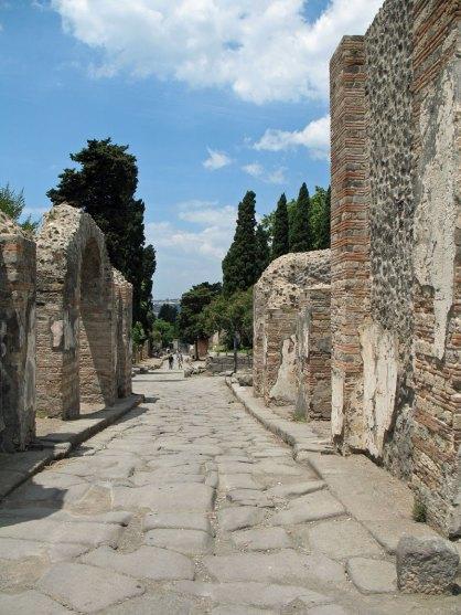Cemetery Road in Pompei