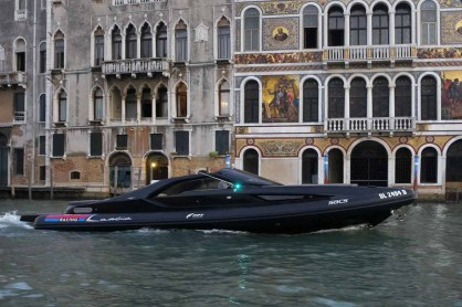 Lancia_Powerboat_002