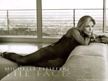 Michelle-Pfeiffer-michelle-pfeiffer-221991_1024_768