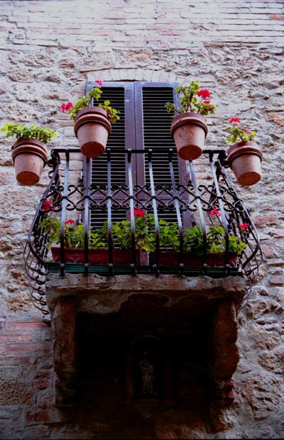 pienza_balcony