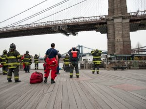 firefighters-at-base-of-brooklyn-bridge
