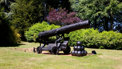 Bill Woodrow: Endeavour: Cannon dredged from the first wreck of the Ship of Fools, 1995