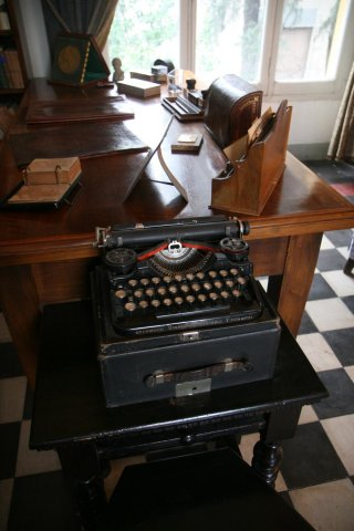 Pirandello's typewritter in his studioi in via Antonio Bosio, 15 – Rome.