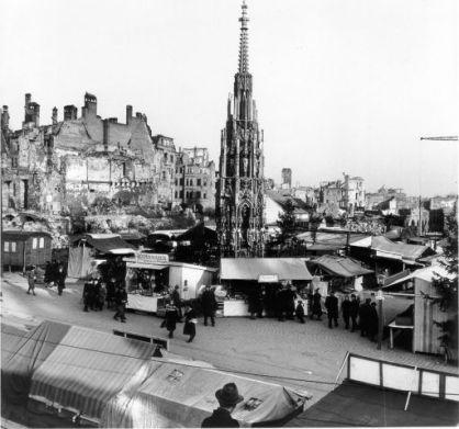 schone_brunnen_nuremberg_1946